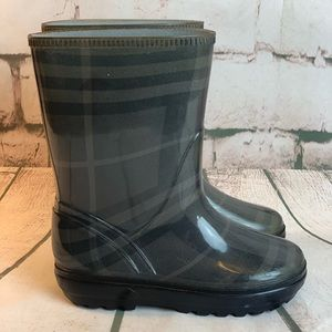 Burberry Wellies for Tots!